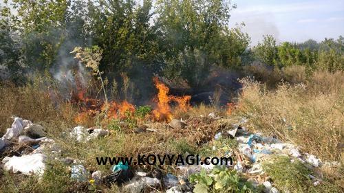 Пожар возле заправки Аврора