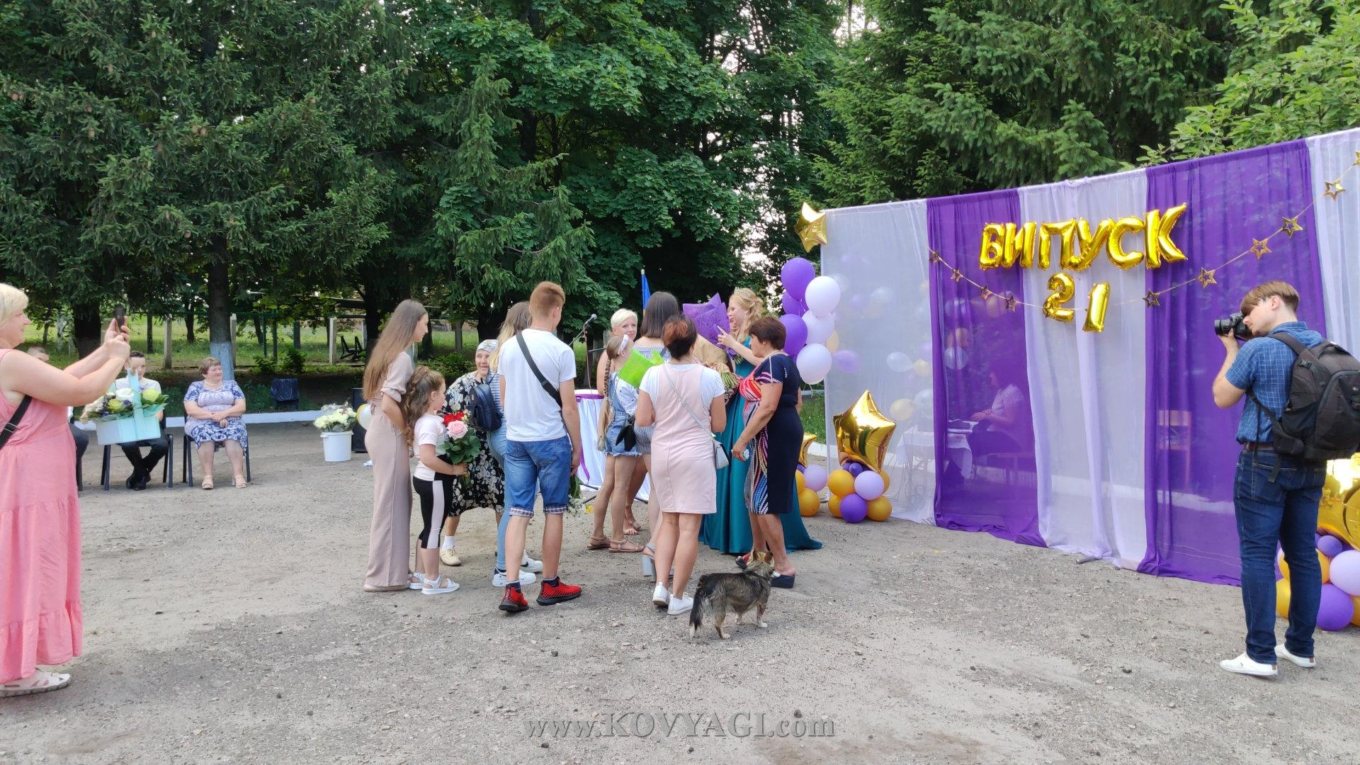 vypusknyy-baranivskiy-licey-2021-04
