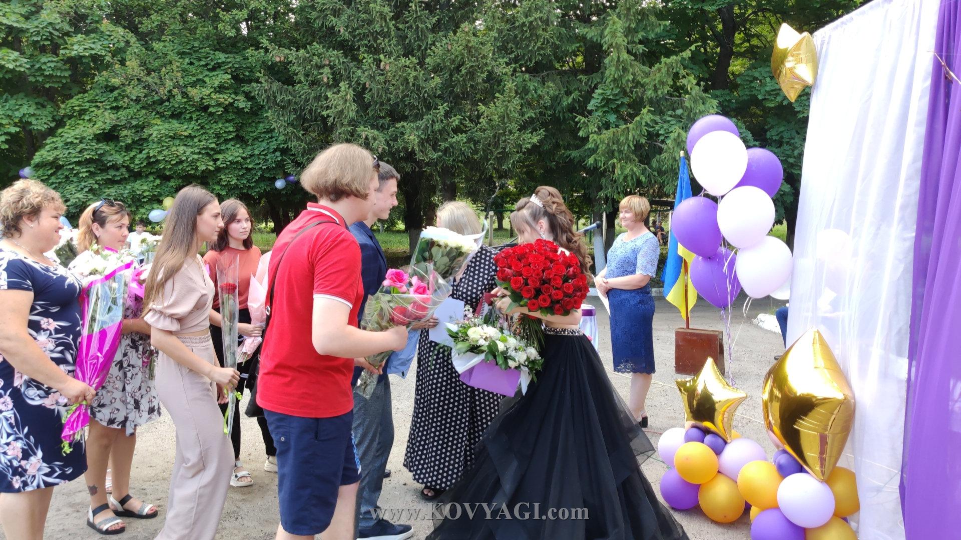 vypusknyy-baranivskiy-licey-2021-08