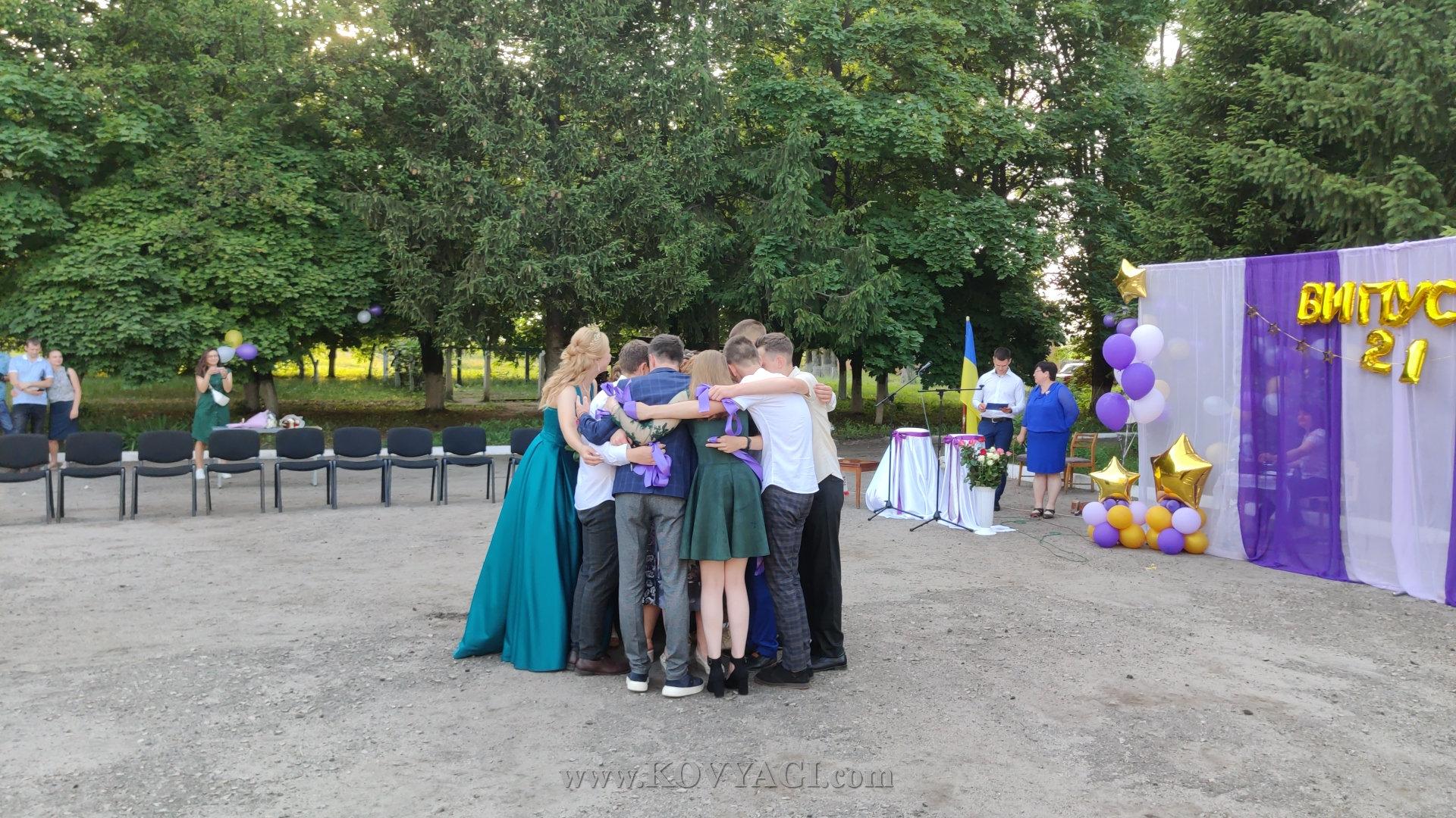 vypusknyy-baranivskiy-licey-2021-26